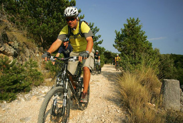 mountain-biking-island-brac-roman-006